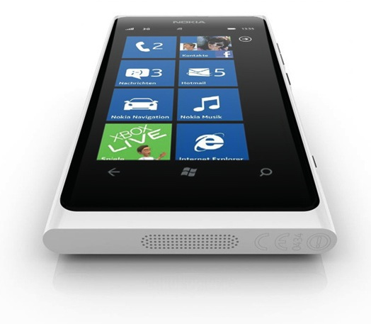 Nokia-Lumia-800-white