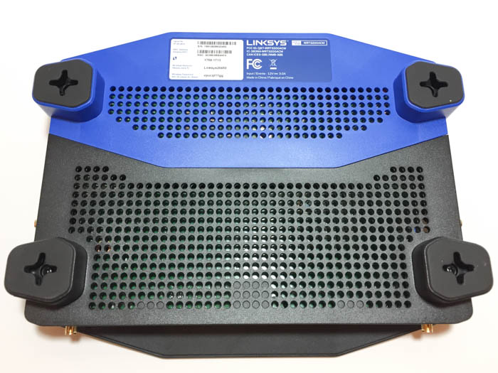 linksys wrt3200acm router bottom