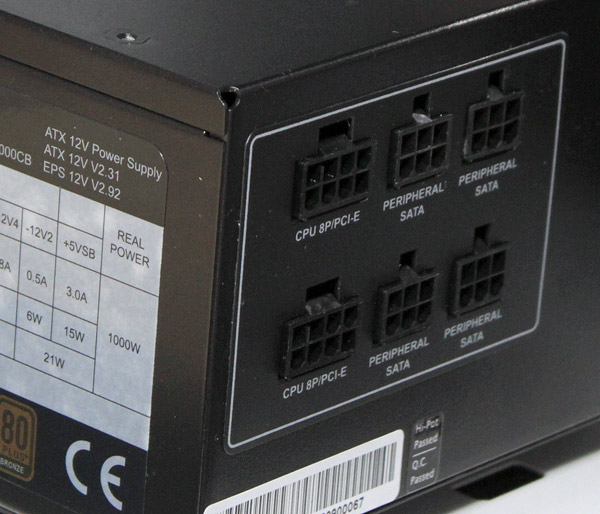 club-3d-1000W-PSU-connectors