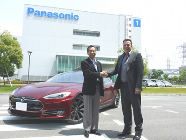 Tesla needs faster battery supply from Panasonic