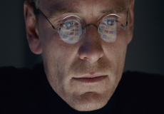 Apple goes on offensive over Steve Jobs movie