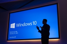 Windows 10 take-up drops dramatically