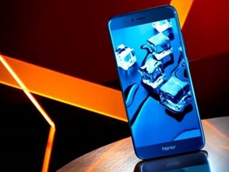Huawei's latest Honor 8 Pro comes with 12MP dual cameras, 6GB RAM