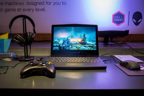 Alienware 13 OLED is great for gaming