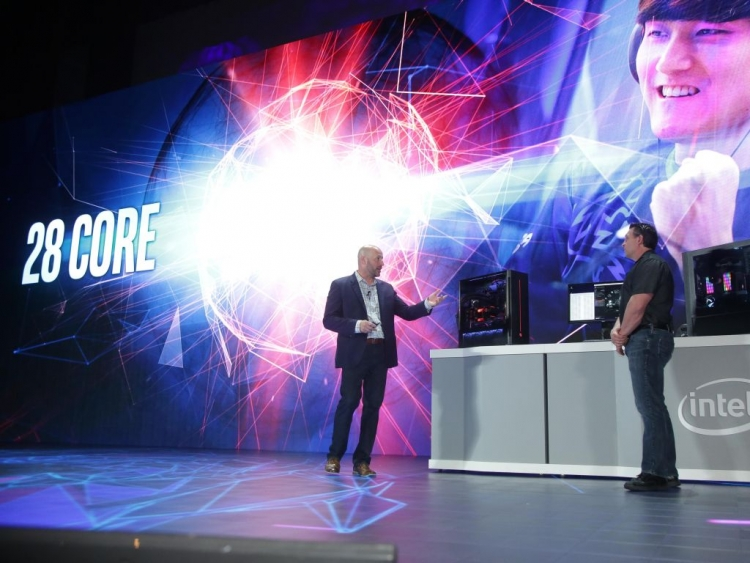 AMD unveils the world's first GPU on 7nm at Computex 2018