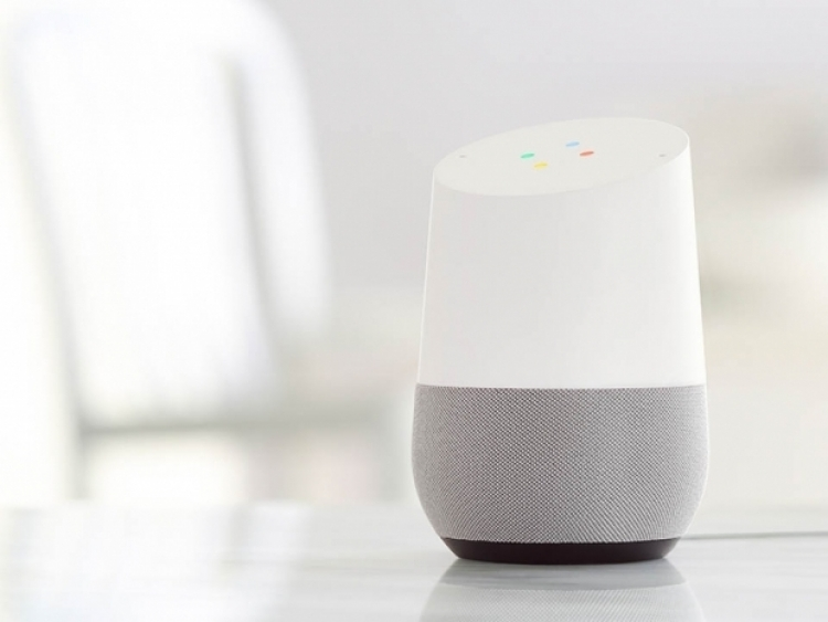 Amazon smartspeaker sales down while Google grew