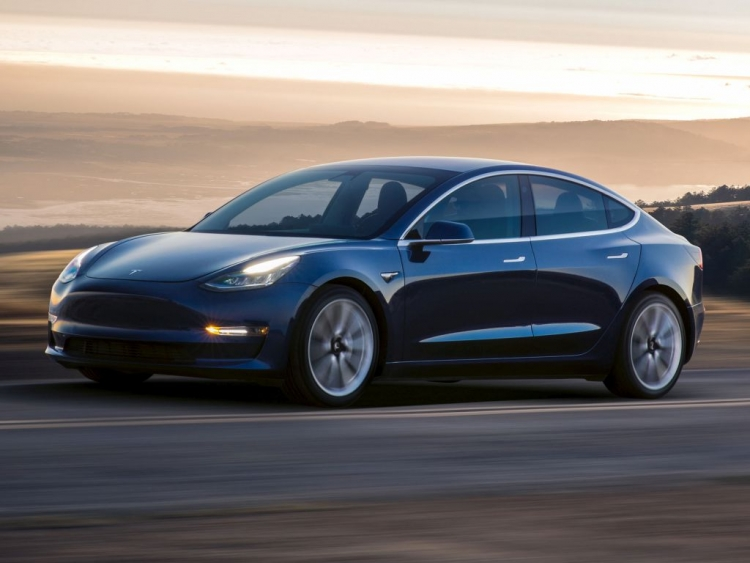 Tesla Plans 'Performance' Model 3 Starting at $78000