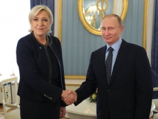 Russian hackers, Wikileaks and Far Right game French election