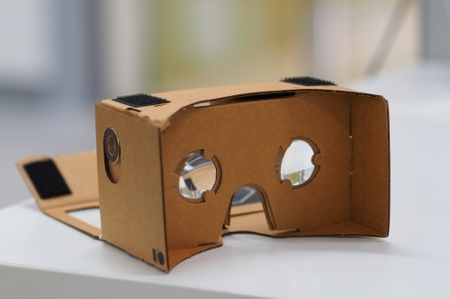Google gets deeper into virtual reality