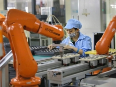 Foxconn aims to replace almost entire workforce with robots