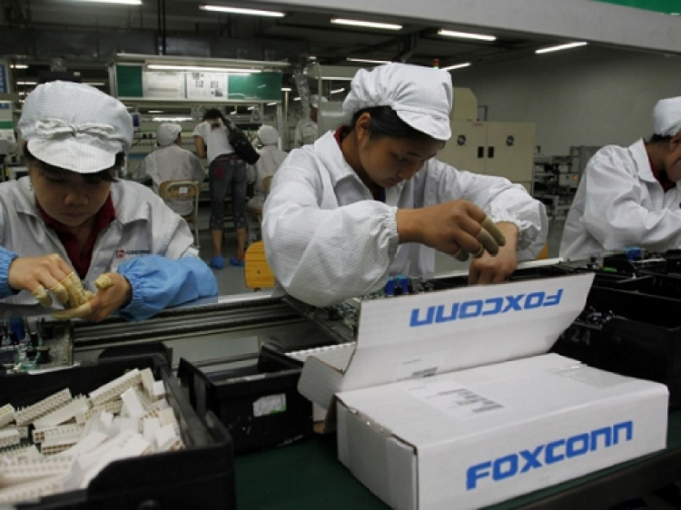 Foxconn planning cost cuts following downturn in iPhone demand