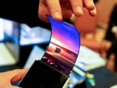 Foldable smartphones to gain market traction by 2019