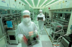 IC Foundries focusing on 10nm
