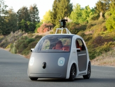 Google decides steering wheels do matter