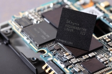 SK hynix to build 4GB and 8GB HBM2 stacks