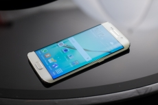 Samsung S6 Edge is a bastard to fix