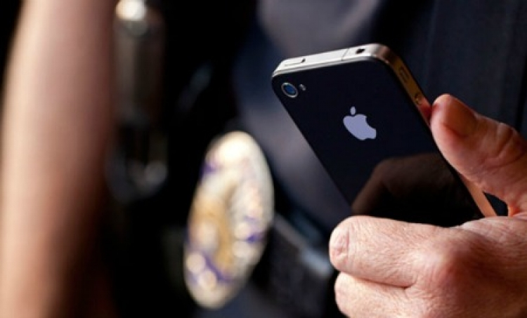 Apple steps up encryption to thwart police cracking of iPhones