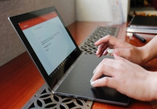 Lenovo Yoga gets thinner by losing the keyboard