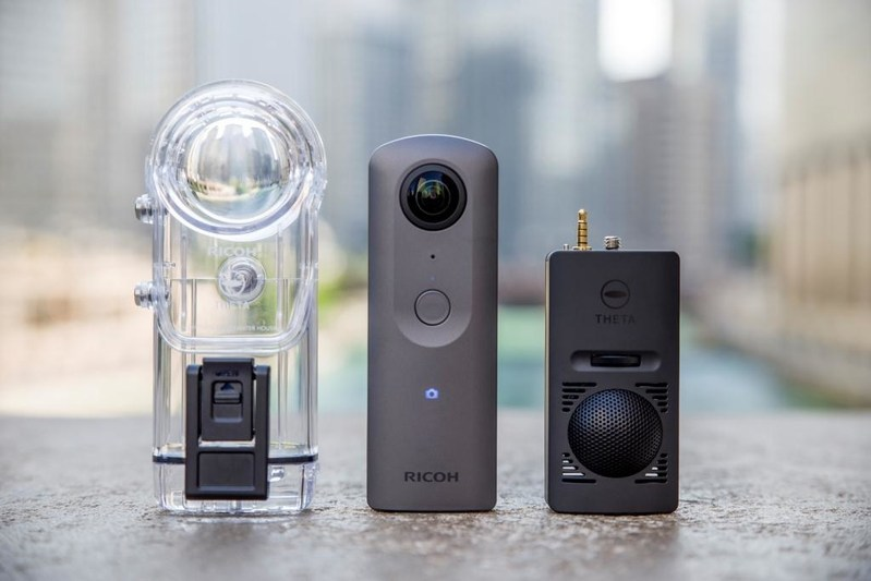 Ricoh_Theta_V_360_degree_4K_video_camera_and_accessories.jpg