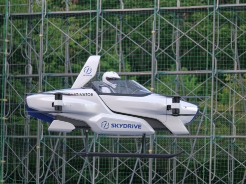 Skydrive tests flying car