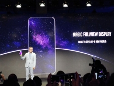 Honor teases bezel-less Magic 2 smartphone