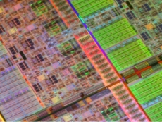 Intel says 10nm on track, Moore's Law alive and kicking