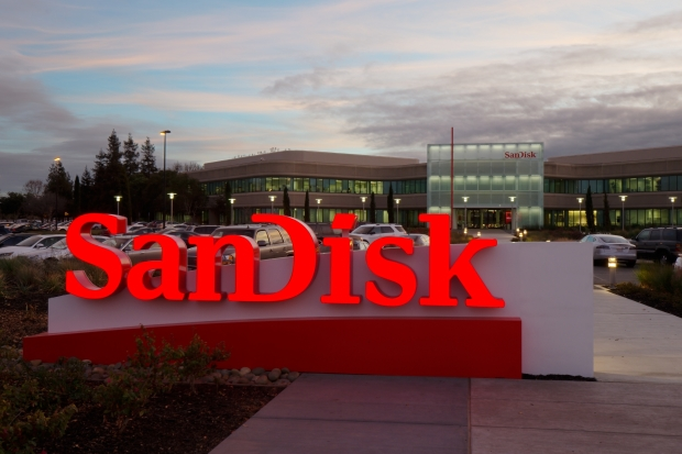 Western Digital really buys SanDisk for $19 billion