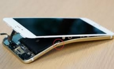 Apple knew its iPhone would bend