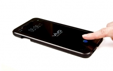 Synaptics under-display fingerprint reader is magic