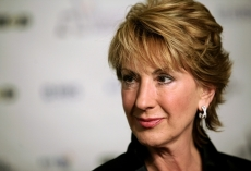Fiorina dubs Tim Cook a gay rights hypocrite