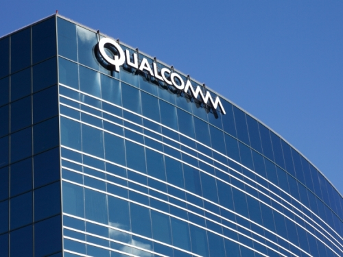 Qualcomm takes a hit in fourth quarter