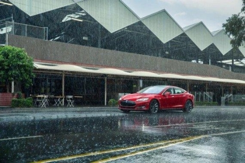 Tesla's wiper controls banned in Germany