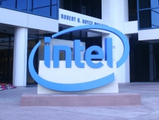 Intel outsourcing entry-level and chipset production