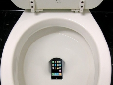 Smartphone sales drop down the loo