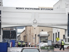 Sony considers merging gaming and film divisions