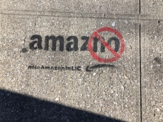 Amazon thinking of abandoning New York amid protests