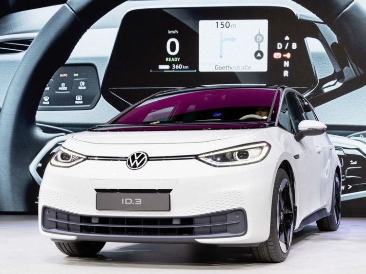 vw unveils all electric car