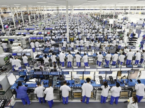 Foxconn expects 15 percent profit rise