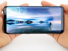 Samsung slashes OLED production