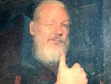 UK government agrees to ship Assange to the US