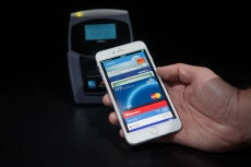 Barclays stalls Apple Pay