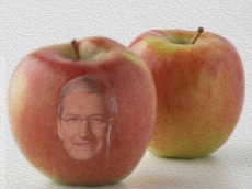 Trump thinks Tim Cook is an Apple