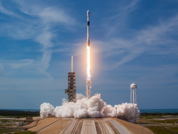 SpaceX allowed to set up a million user terminals