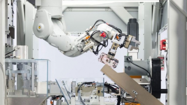Apple pushes Daisy recycling robot