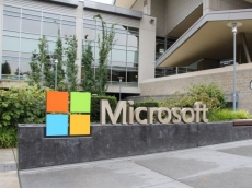 Microsoft employees revolt over army contracts
