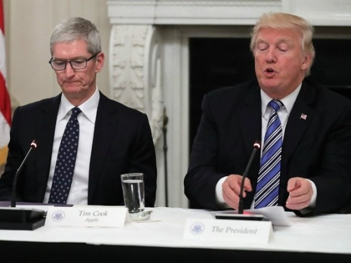 Apple warns it could be damaged by US tariffs