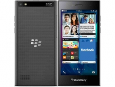 Blackberry starts shipping phones again