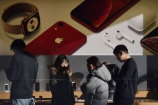 Apple hopes to solve China crisis with its brilliant software